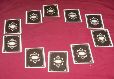 Provide a Full Moon Tarot Spread