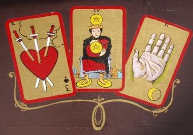 provide a professional 3-card tarot reading
